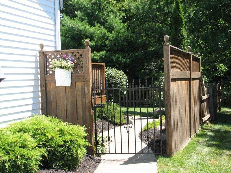 Euclid Jalousies Gate Installation